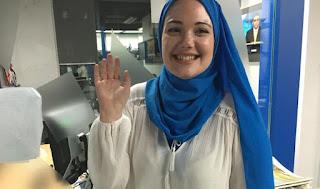 فتاة استراليا تسلم بسبب الهجوم على الاسلام في الغرب
