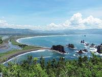 7 Pantai Jember Yang Wajib Anda Kunjungi