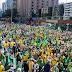 Manifestações pró-governo em 1º de maio levam milhares às ruas do País