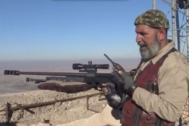 Abu Tasheen es el abuelo más rudo: récord como francotirador