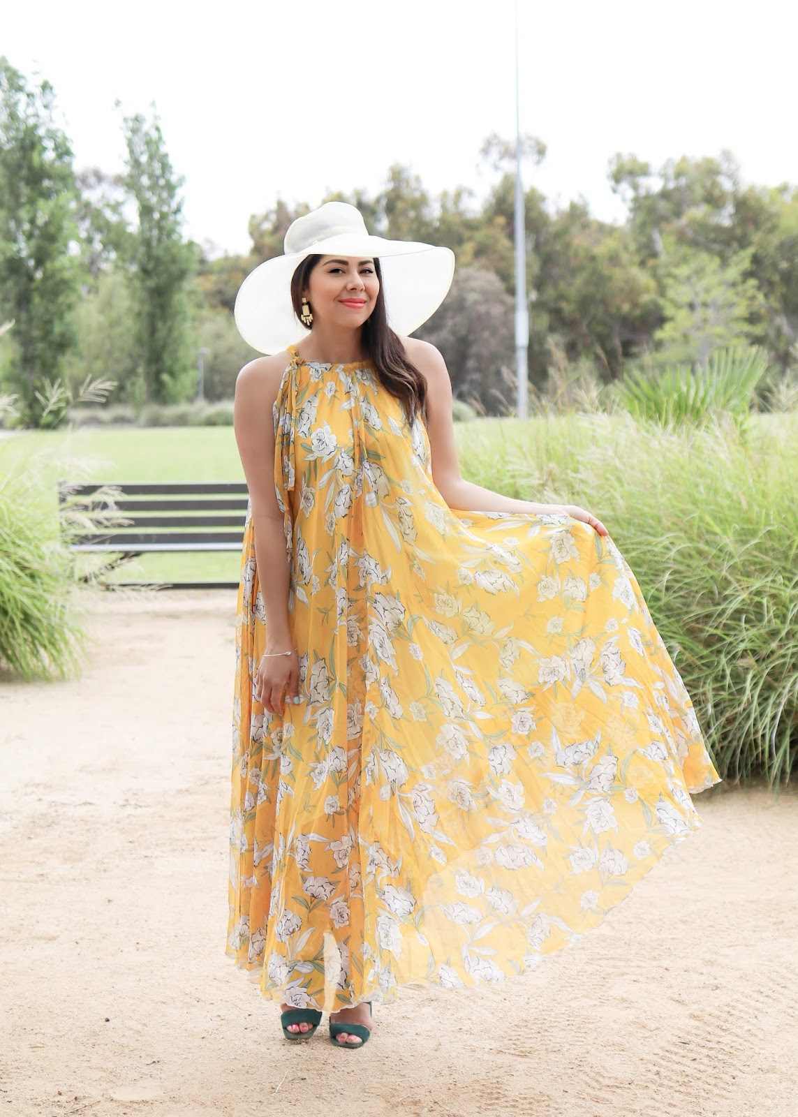 What to wear for Opening Day at the Del Mar Racetrack, comfortable yet chic del mar opening day outfit option