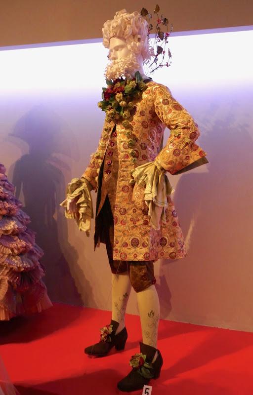 Eugenio Derbez Nutcracker Hawthorne costume