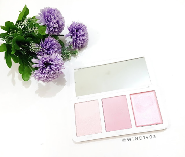 Review Models Own Sculpt and Glow Highlighter Palette