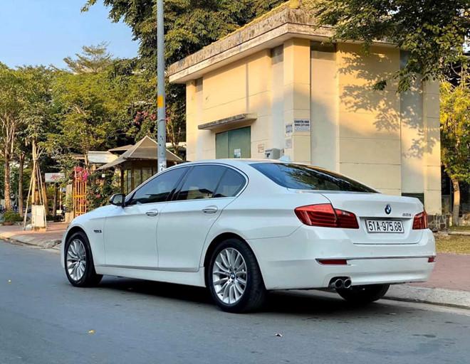 BMW 528i giá ngang Toyota Camry mới sau 6 năm lăn bánh