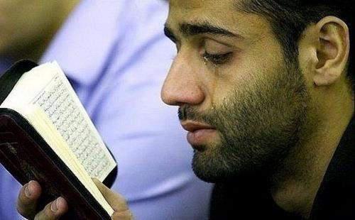 Bacalah Surah Ini SAAT KESUSAHAN, Niscaya Allah SWT Mengutus Malaikat Untuk Membantu...