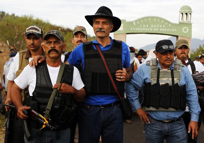 José Manuel Mireles fundador de las Autodefensas en Michoacán se encontraría en Terapia Intensiva
