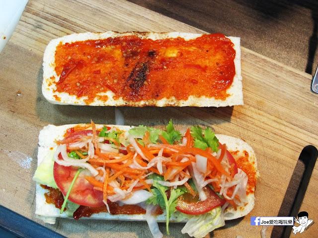 IMG 4920 - 【熱血採訪】NickJu 尼克啾 碳烤法式三明治 位於中國醫附近的尼克啾 NickJu 主打法式三明治,把餐廳所用的食材搬到街頭,讓客人用平價價格吃到高檔美味
