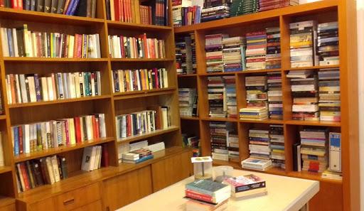 Δανειστική βιβλιοθήκη για κρατούμενους μαθητές στις φυλακές Ναυπλίου