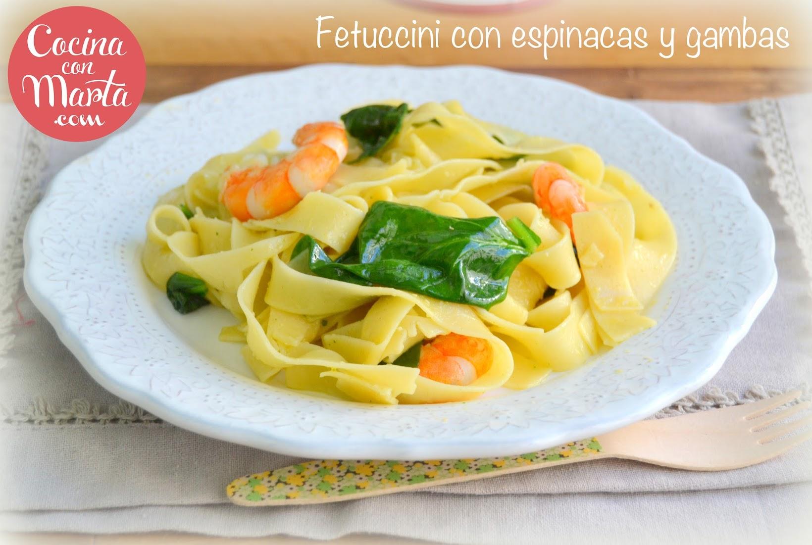 Fetuccini con espinacas y gambas, langostinos, pasta al punto, ajo, perejil, pasta, tallarines, pasta fresca, para niños, fácil, rápida, cocina con marta
