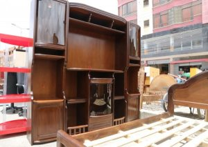 Venta de muebles en feria 16 de julio ferias de bolivia for Feria de muebles