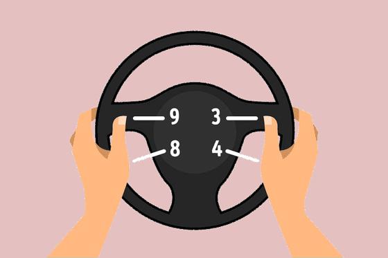 posisi memegang setir mobil yang benar