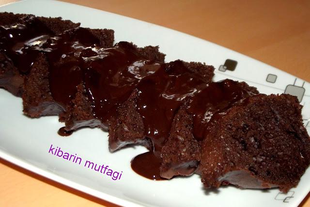 ıslak kek tarifi  ıslak kek nasıl yapılır ıslak kek yapılışı soslu ıslak kek çikolata soslu ıslak kek tarifi