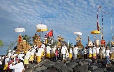 Veda sebagai Sumber Hukum Hindu