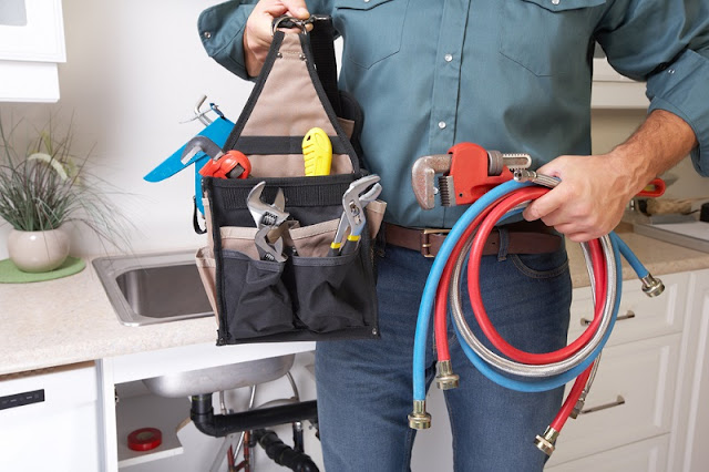 Expert plumbers provide error-free services
