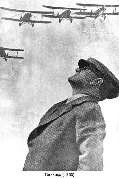 Atatürk Türkkuşu Uçak 1935 Fotoğraf