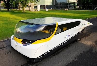 Stella Solarauto Straßenverkehr Alltag