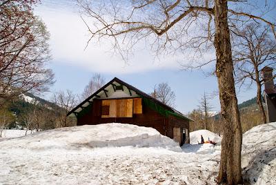 山ノ鼻の避難小屋