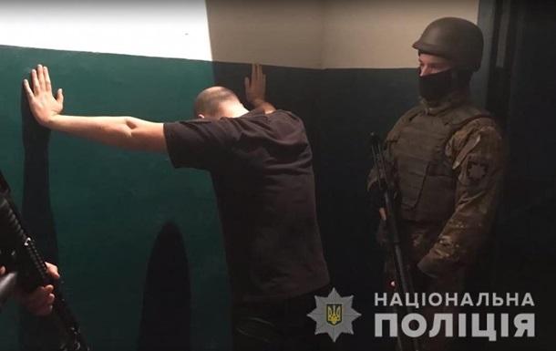 Конвоїри влаштовували ув'язненим розваги в підвалі суду