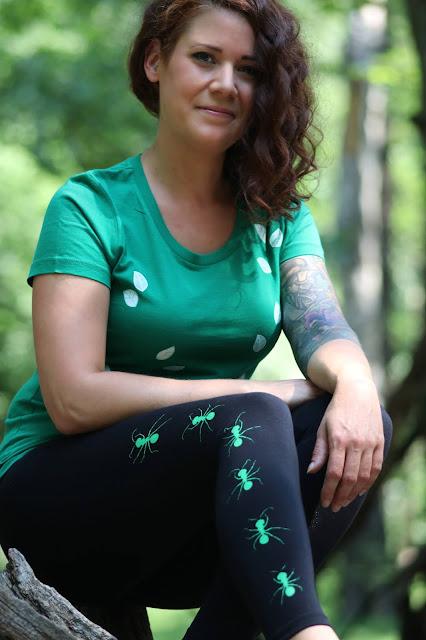 T-Shirt mit Blättern und Leggings mit Ameisen, Siebdruck