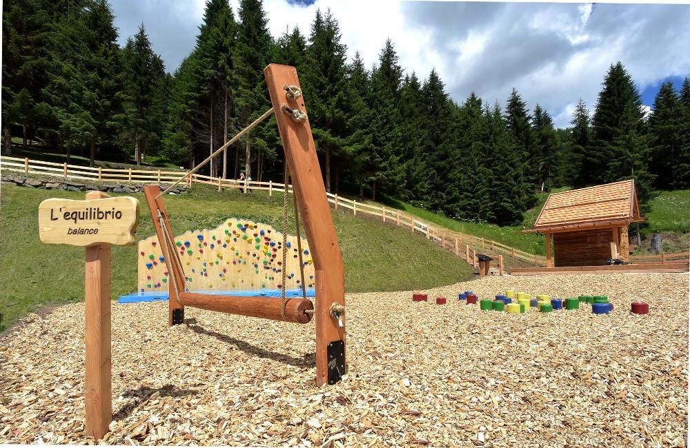 Ally farm summer divertimento e relax a piani di pezz for Piani di montagna moderni