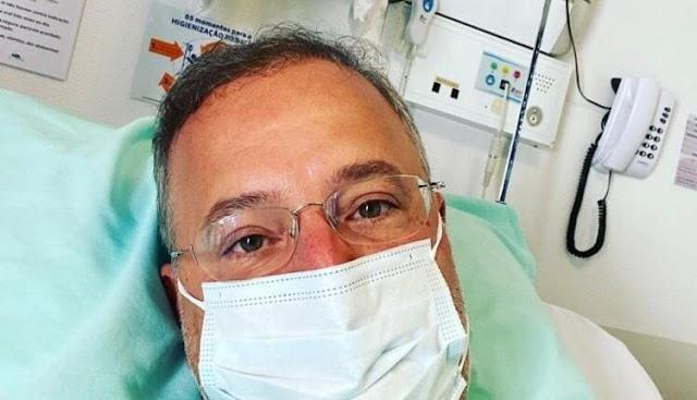 Secretário de Saúde da Bahia deixa UTI e vai para semi-intensiva