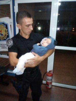 Posadas : La Policía resguardó a un bebé de 3 meses en zona oeste .