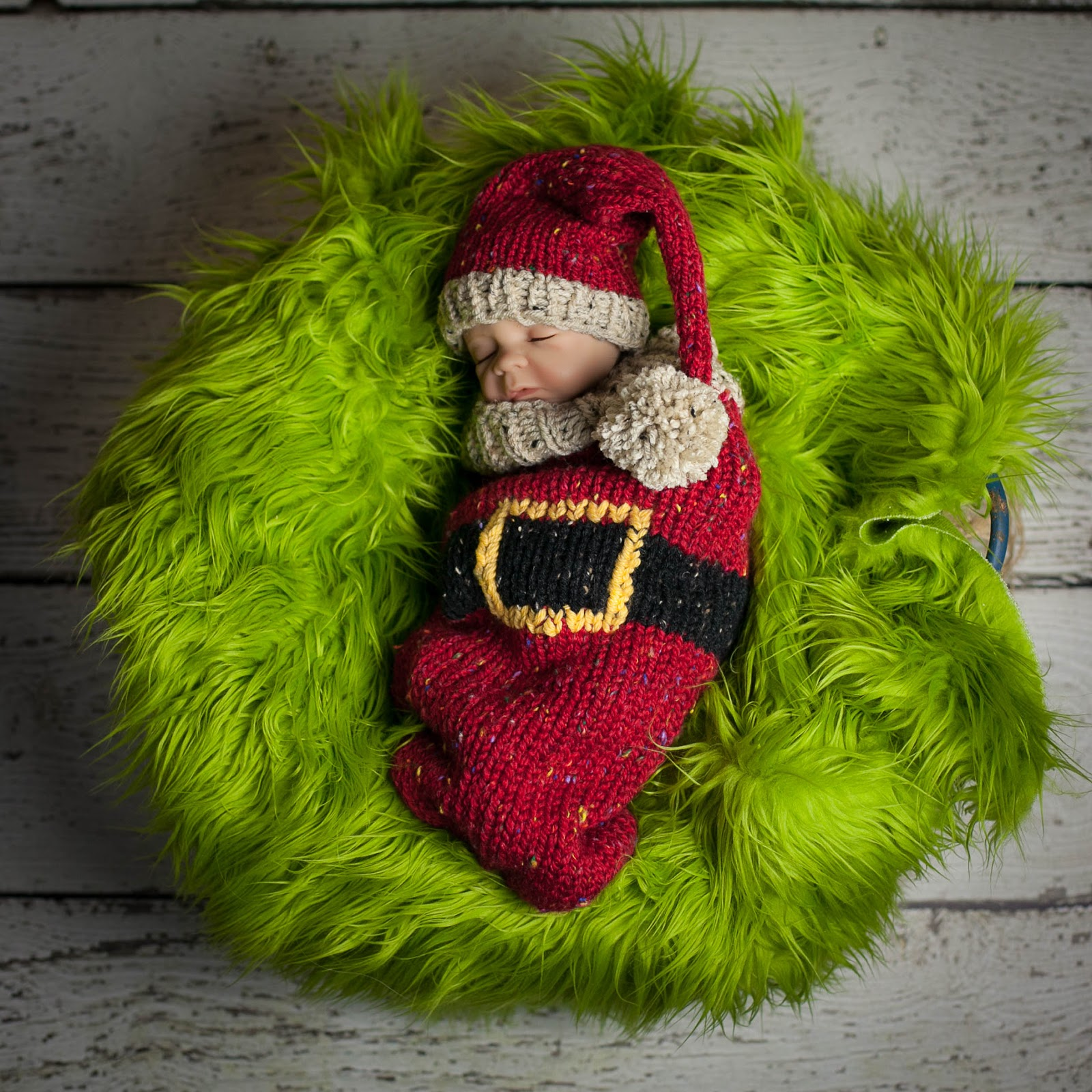 Adorable tweed Santa Cocoon and Elf Hat pattern for Newborn. This is a  quick loom knit and would make a great gift for new parents expecting a baby  before ... ecb1d170cae