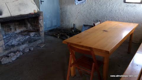 Interior refugi de Sant Mamet