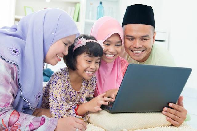 5 Adab Dan Etika Online Di Bulan Ramadan