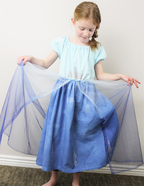 how to make a queen elsa costume