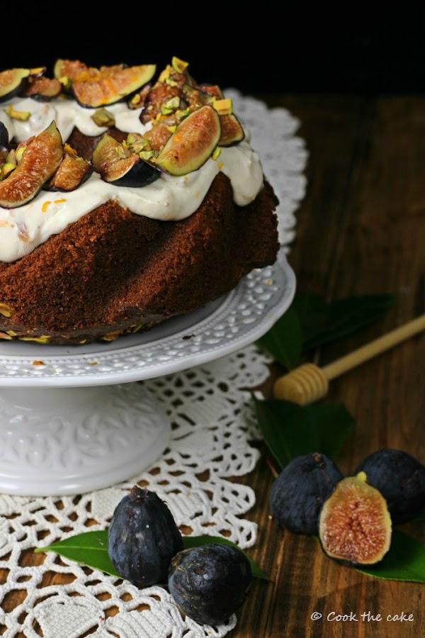 bizcocho-de-miel-higos-y-pistachos, honey-figs-and-pistachios-cake