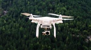 Laporan praktikum ini bertujuan untuk mengetahui bagaimana suatu wilayah  dipetakan menggunakan drone. Drone digunakan untuk mengambil titik pemetaan dari atas suatu wilayah yang akan dipetakan