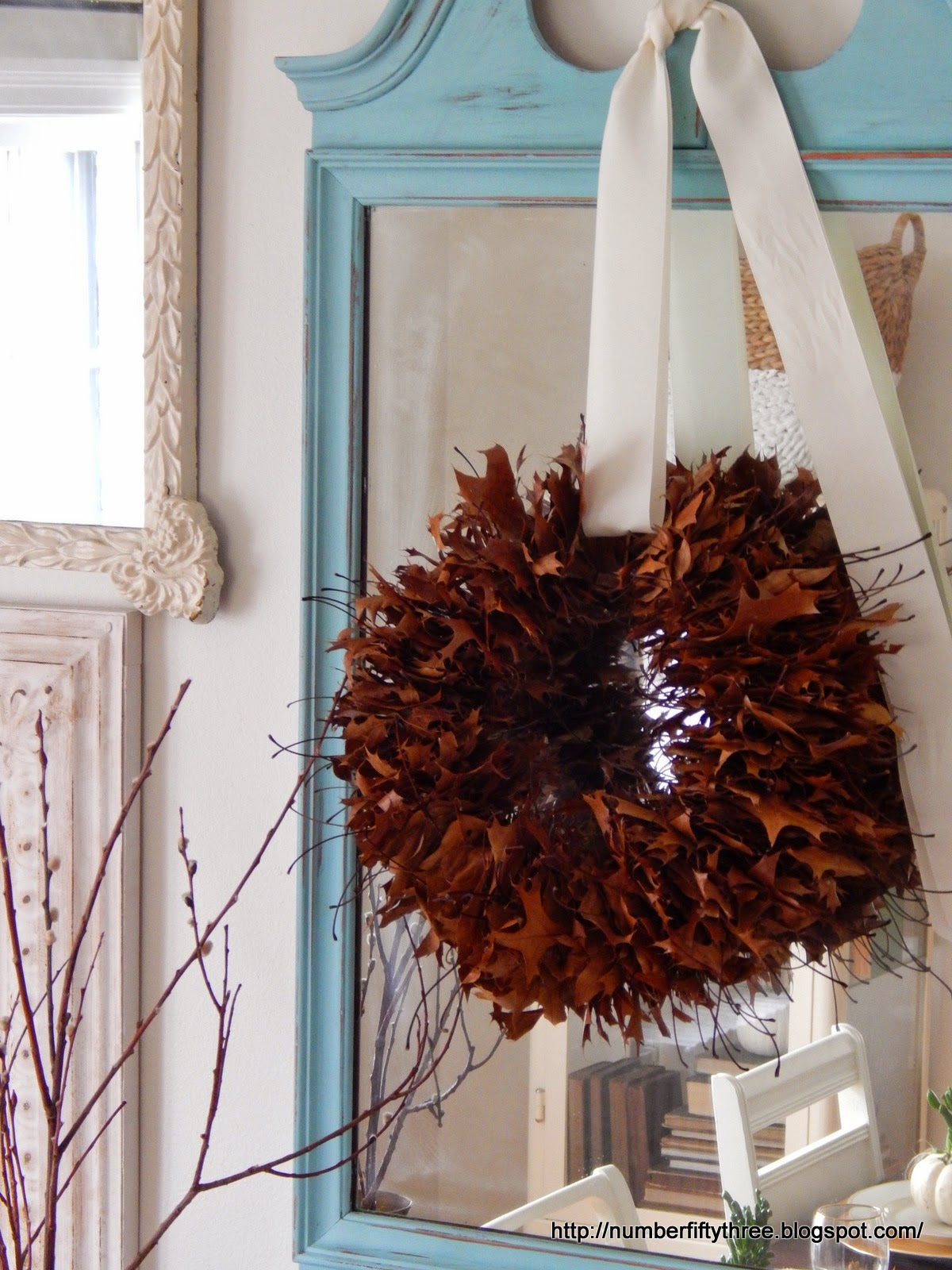 Natural and beautful oak leaf wreath