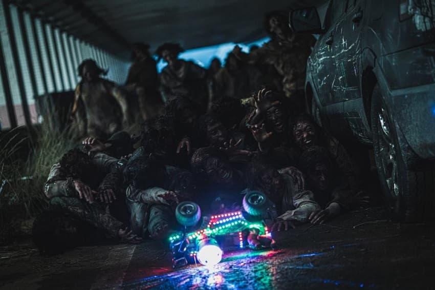 Рецензия на фильм «Поезд в Пусан 2: Полуостров» - зомби-хоррор про пожилых солистов корейских поп-групп - 03
