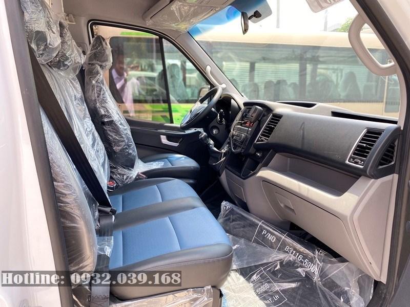 Khoang nội thất xe cứu thương Solati 2020 mới