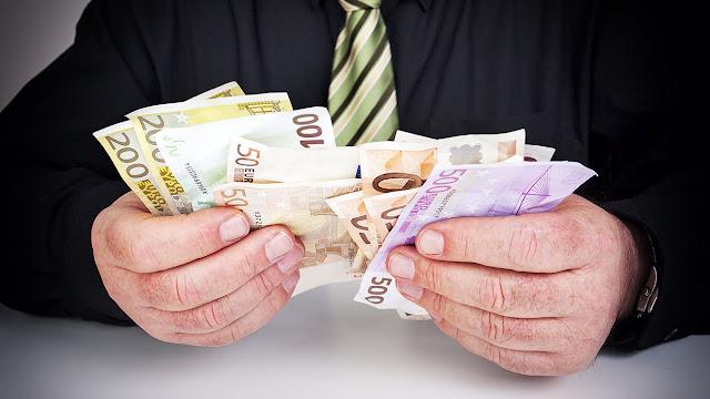 -Όλες οι λεπτομέρειες και οι ημερομηνίες υποβολής αιτήσεων για τα 800 ευρώ