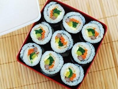 Món ăn Hà Quốc: Cơm cuộn rong biển Kimbap
