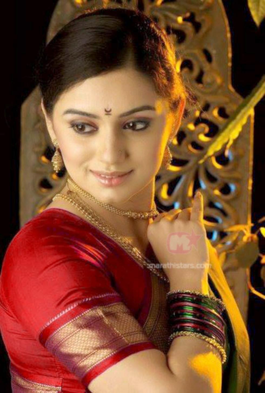 Shruti Marathe Hot Photos Marathi Actress And Actor