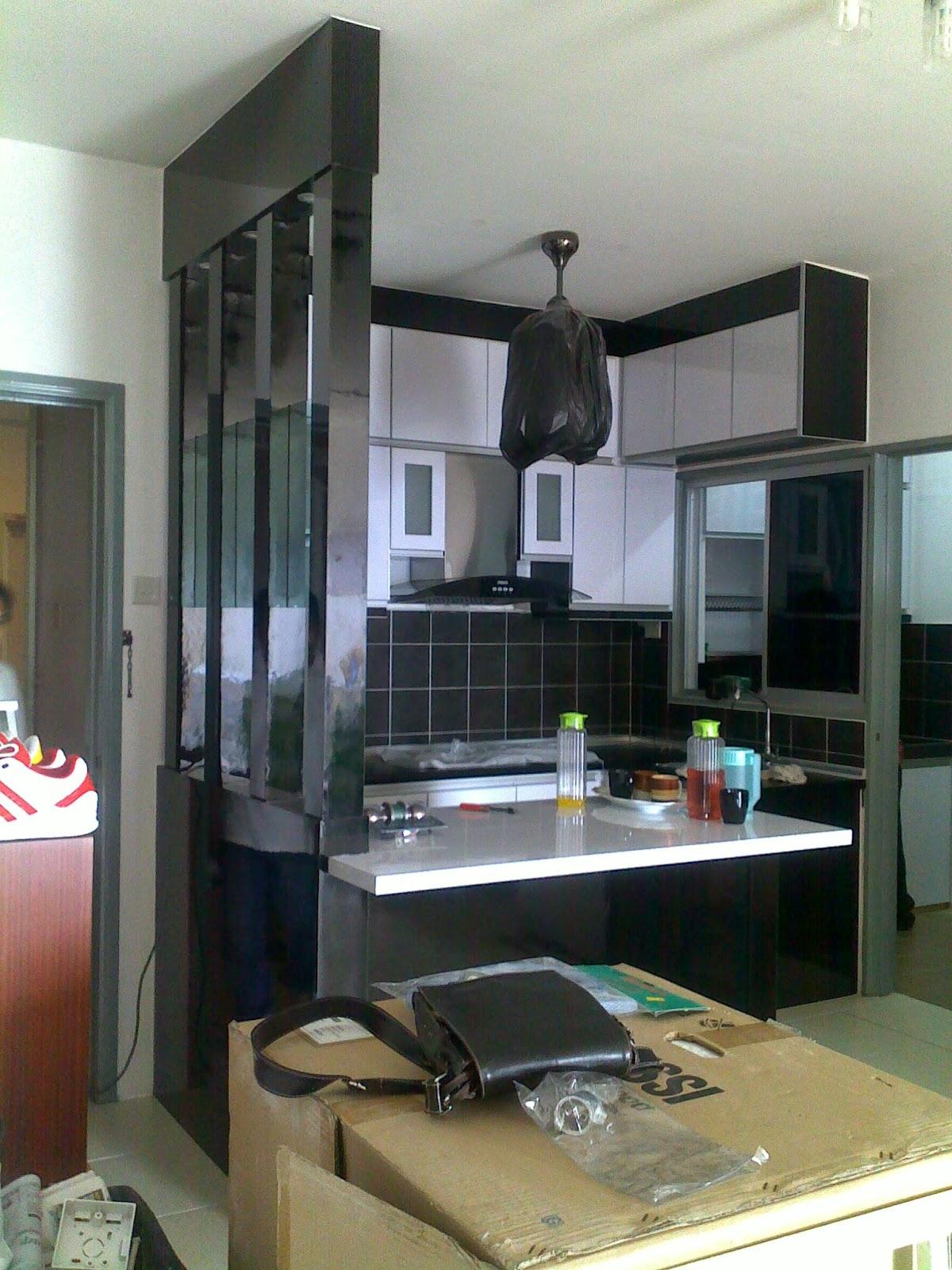 Kabinet Dapur Nampak Ruang Selesa Dgn Permainan Kaler Hitam Dn Putih Menampakakn Lagi Tu Besar Umah Ni Apartment So Bile