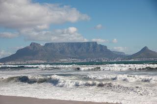 Der Blick auf Kapstadt vom Bloubergstrand