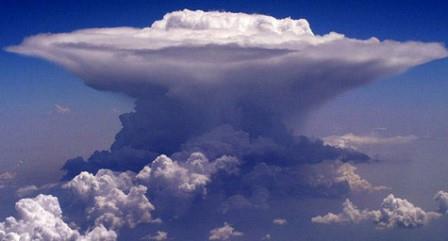 Pengertian Awan Cumulonimbus, Ciri-ciri, dan Jenisnya