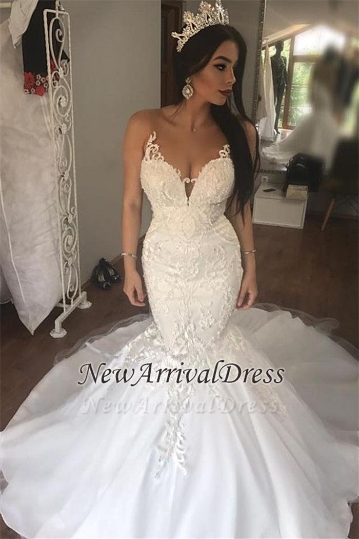 https://www.newarrivaldress.com/g/sleeveless-lace-mermaid-gorgeous-long-buttons-wedding-dress-109062.html?cate_2=77
