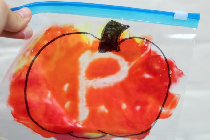 colour mixing pumpkin activity for kids
