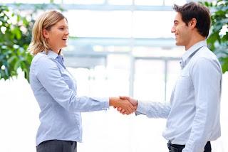 İş Hayatında Güven Duygusunu Oluşturmak İş Hayatında Güven Oluşturmanın Yolu İş Yaşamında Güven ya da Şüphe Duyma Çalışanlar Arasında Güven Ortamı Oluşturmak Yeni İş Fikirleri İş Yaşamında Güven ve Güvenilir Olmak İçin İpuçları Tavsiyeler Motivasyon İş Yaşamında Kendine Güveni Artırmanın Etkili Yolu Çalışanlarınızı Mutlu ve Üretken Tutmanın Etkili Yolu