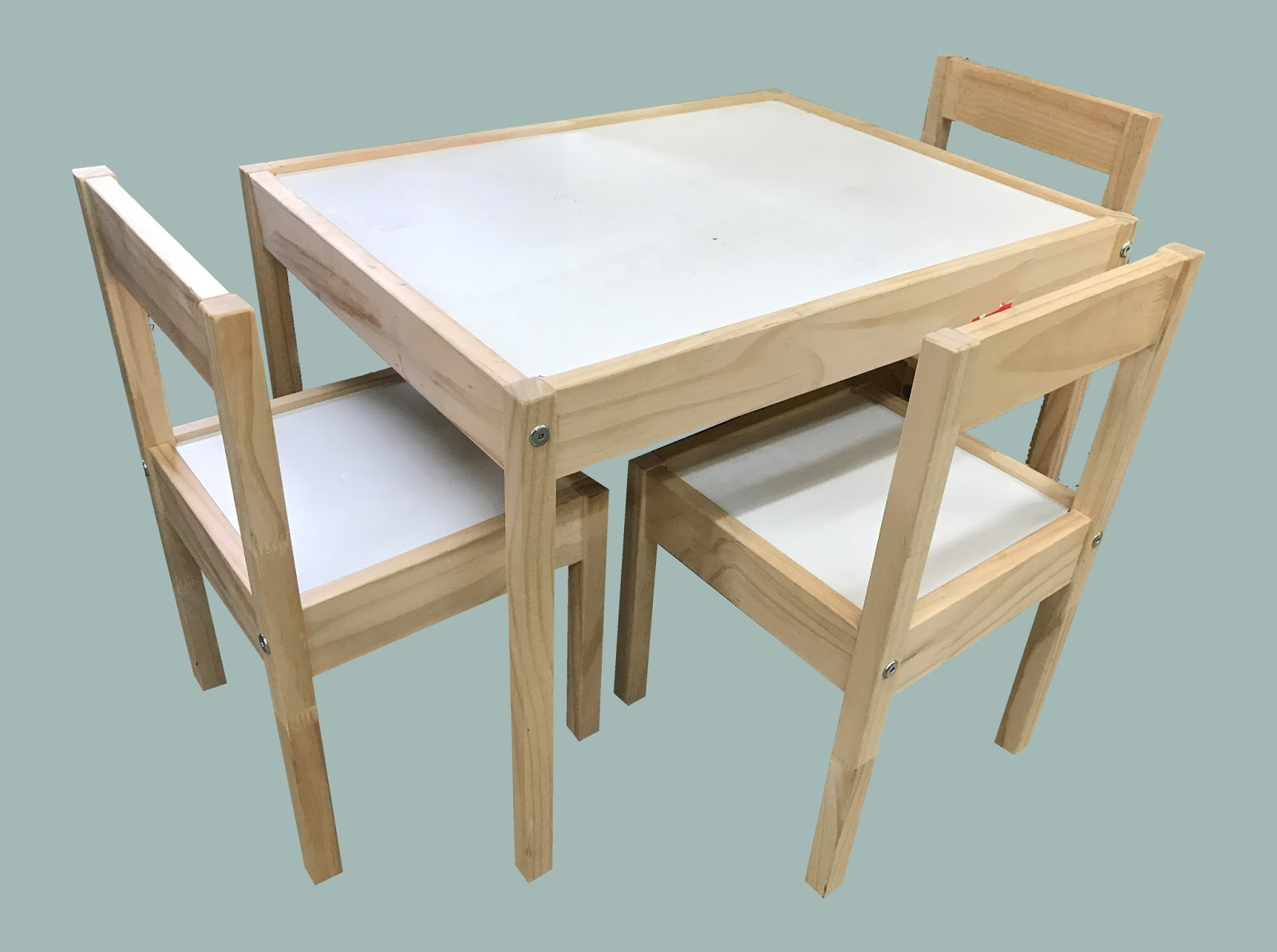 Uhuru Furniture Collectibles Child Size Table And 2 Chairs 25 Sold