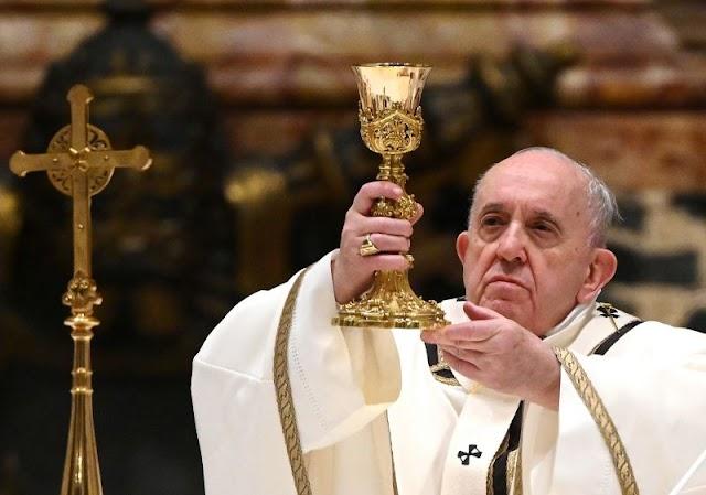 Ferenc pápa lemondta a szilveszteri szertartások vezetését gyengélkedés miatt