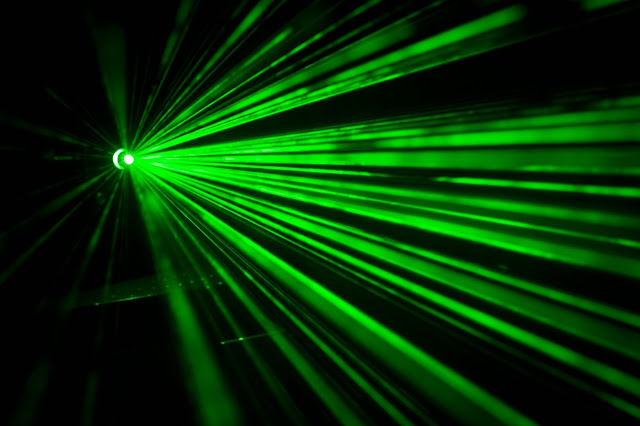 Light-Based Tractor Beam Assembles Materials At The Nanoscale