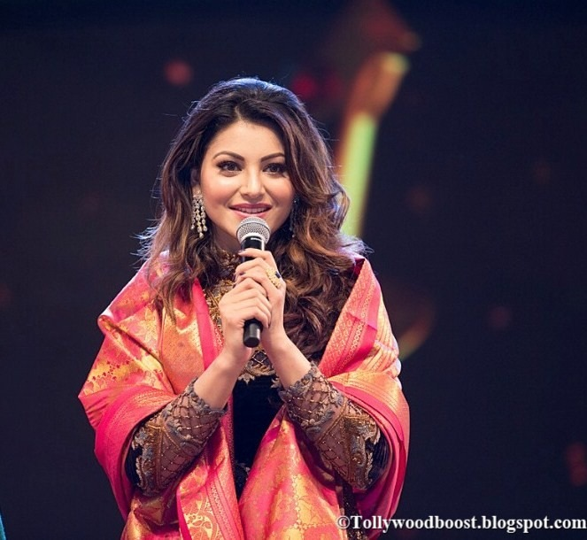 Model Urvashi Rautela At TSR TV9 National Film Awards