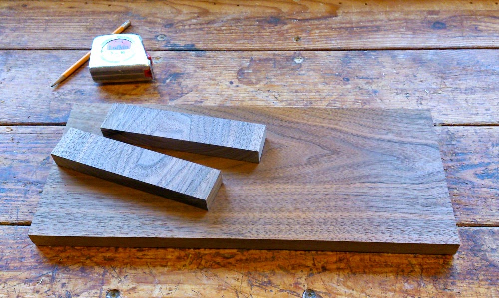 Making a solid wood trivet on legs