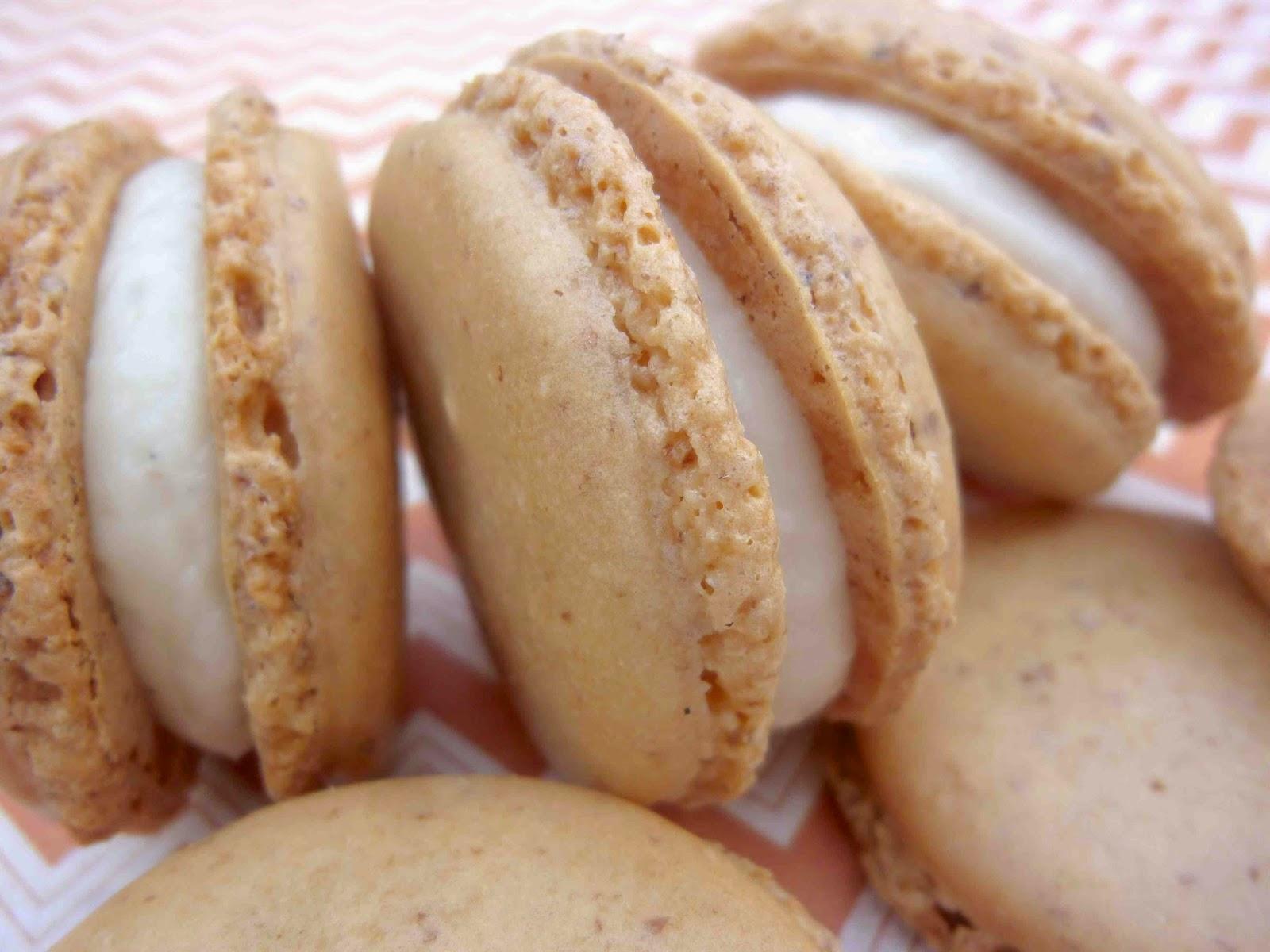... Hausfrau: Butterscotch French Macarons with Vanilla Bean Buttercream